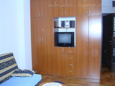 Apartments RADA II, Herceg Novi, Montenegro - photo 8