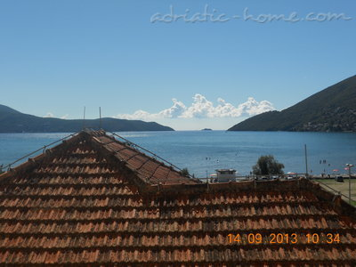 Apartments RADA II, Herceg Novi, Montenegro - photo 1