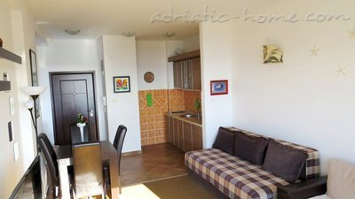 Leiligheter WITH BEAUTIFUL SEA VIEW, Petrovac, Montenegro - bilde 4