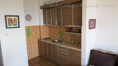 Leiligheter WITH BEAUTIFUL SEA VIEW, Petrovac, Montenegro - bilde 6