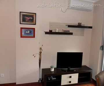 Apartments RAKOCEVIC IV, Petrovac, Montenegro - photo 2