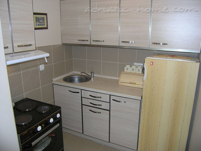 Apartments RAKOCEVIC IV, Petrovac, Montenegro - photo 6