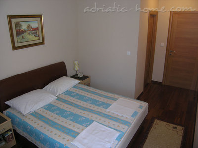 Apartments RAKOCEVIC IV, Petrovac, Montenegro - photo 8