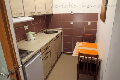 Studio Apartment in center of Petrovac, Petrovac, Czarnogóra - zdjęcie 5