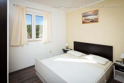 Appartamenti Bili Osibova Milna - Apartment No. 1, Brač, Croazia - foto 1