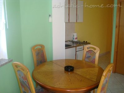 Studio apartment 4+1, Krk, Croatia - photo 4