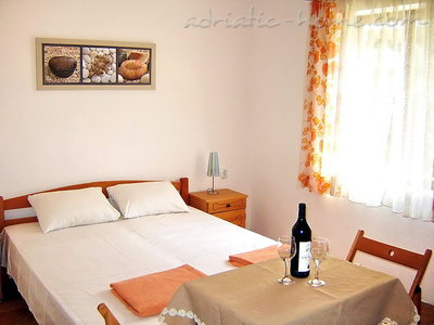 Studio apartment Vila Maris 1/3C, Petrovac, Montenegro - photo 8