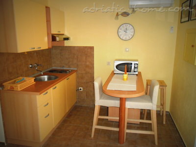 Studio apartment MARIJANA, Brela, Croatia - photo 4