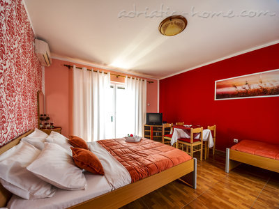 Studio apartment STELLA DEL MARE, Risan, Montenegro - photo 3