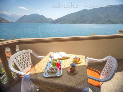 Apartments STELLA DEL MARE II, Risan, Montenegro - photo 6