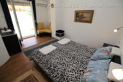 Apartments VILLA MENDULE  APPARTMENT 1, Budva, Montenegro - photo 10