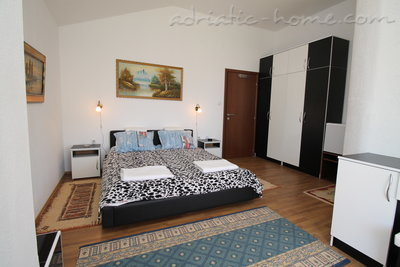 Apartments VILLA MENDULE  APPARTMENT 1, Budva, Montenegro - photo 11