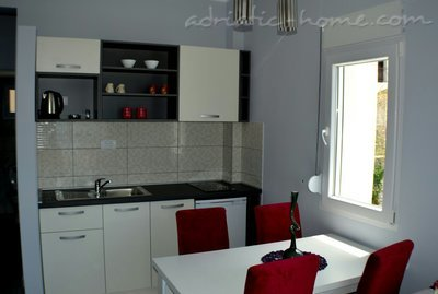 Ferienwohnungen Apartment for 4 persons, Budva, Montenegro - Foto 4