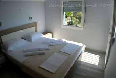 Apartments MM - 8 persons, Budva, Montenegro - photo 4