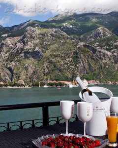 Apartments DekaderonLux, Kotor, Montenegro - photo 4