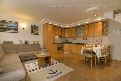 Apartments Villa Ivandic , Promajna, Croatia - photo 3
