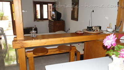 Studio apartment BULIC, Brač, Croatia - photo 4