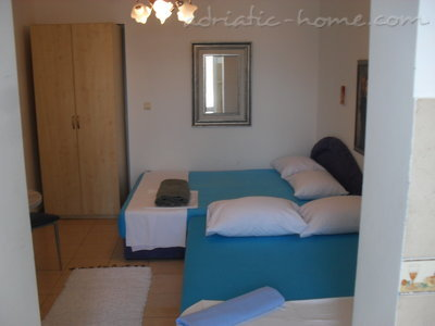 Studio apartment Milica Dabovic, Herceg Novi, Montenegro - photo 10