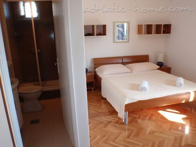 Комнаты Makarska II vacation home, Makarska, Хорватия - фото 1