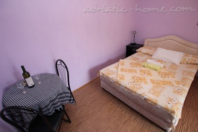 Apartments Kovacevic 3, Petrovac, Montenegro - photo 3