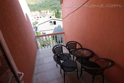 Apartments Kovacevic 4, Petrovac, Montenegro - photo 4