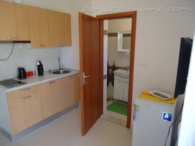 Studio apartment BEPPO, Brač, Croatia - photo 1