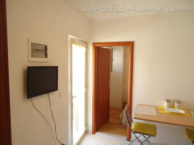 Studio apartment BEPPO, Brač, Croatia - photo 3