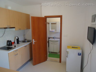 Studio apartment BEPPO, Brač, Croatia - photo 2