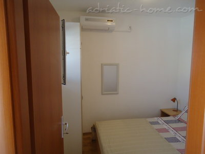 Studio apartment BEPPO, Brač, Croatia - photo 6