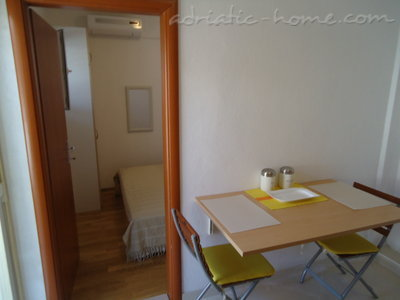 Studio apartment BEPPO, Brač, Croatia - photo 8