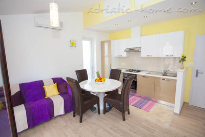 Apartments Centar 1, Makarska, Croatia - photo 4