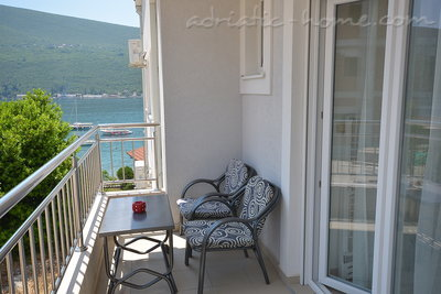 Studio apartment Vojvodic Star, Herceg Novi, Montenegro - photo 10