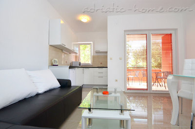 Apartments Ivas, Vodice, Croatia - photo 7