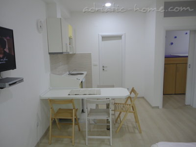 Apartments Bellevue - Otašević VI, Herceg Novi, Montenegro - photo 3