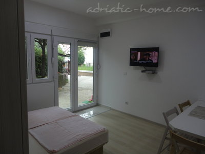 Apartments Bellevue - Otašević VI, Herceg Novi, Montenegro - photo 5