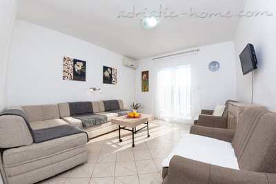 Apartments Nicholas, Herceg Novi, Montenegro - photo 2