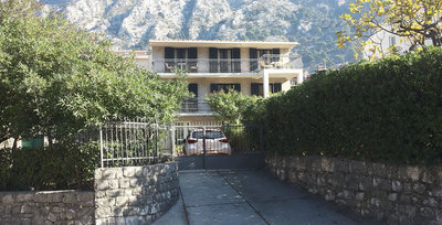 Apartments VOJVODA I, Kotor, Montenegro - photo 4