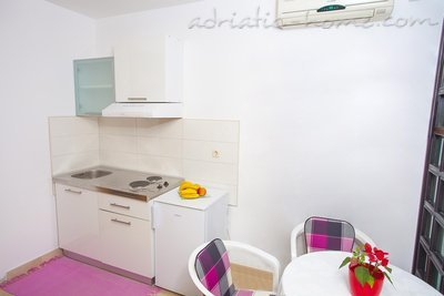 Studio apartment Centar 5, Makarska, Croatia - photo 2