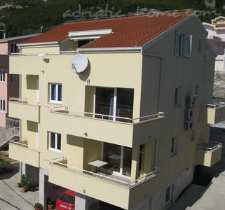 Apartments Zelic, Tučepi, Croatia - photo 1