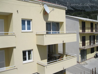 Apartments Zelic, Tučepi, Croatia - photo 2