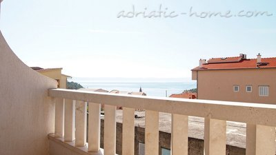 Apartments Stipe 8+4, Makarska, Croatia - photo 2