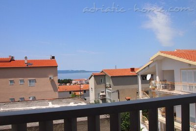 Apartments Stipe 8+4, Makarska, Croatia - photo 3