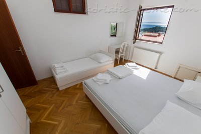 Apartments MASTIP 3+2, Makarska, Croatia - photo 10
