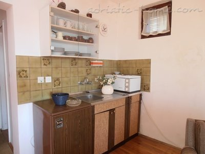 Apartments Savina, Herceg Novi, Montenegro - photo 4