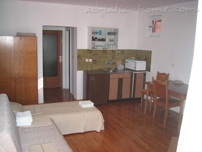 Apartments Savina, Herceg Novi, Montenegro - photo 9