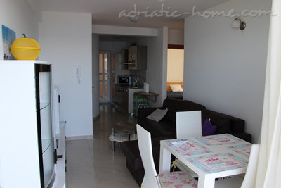Apartments Villa Issea, Brela, Croatia - photo 8