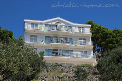 Apartments Villa Issea, Brela, Croatia - photo 2