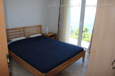 Apartments Villa Issea, Brela, Croatia - photo 4