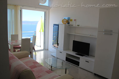 Apartments Villa Issea, Brela, Croatia - photo 5