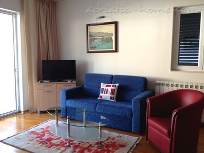 Apartments Villa Lara - BIG RED, Budva, Montenegro - photo 4